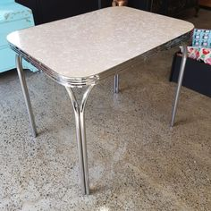 Formica Table, Retro 4, Refurbished Furniture, Don't Forget, Dining Table, Facebook, Website, Check, Home Decor