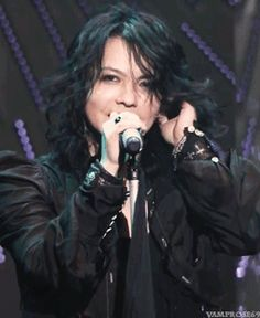 """Bloodsuckers all over the world, we will see you soon!"" - HYDE MC VAMPS Live 2015 Zepp Tokyo"