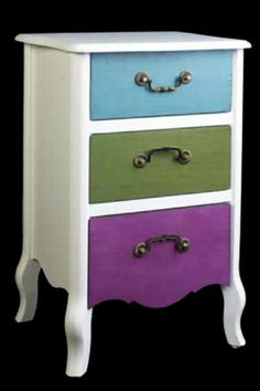 Mesita de noche colección vintage, combinación de colores para nuestro dormitorio, mas en: http://rusticocolonial.es/mueble-vintage-de-gran-calidad-al-mejor-precio/busca-tu-mueble-vintage-por-colecciones/coleccion-tabu