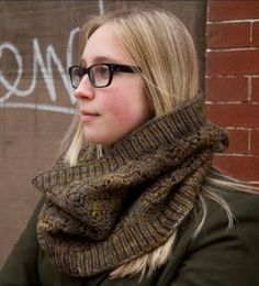 Cool Cable Cowl | AllFreeKnitting.com