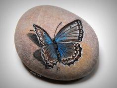 Happy rocks - peinture sur galets www.flickr.com/photos/cameland/7086895687/ Merci beaucoup Anne pour ta gentillesse et pour tes magnifiques photos qui embaument les yeux et le cœur :)*