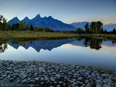 https://flic.kr/p/8YboZP   Schwabacher's Mirror   © 2010 Jerry T Patterson - All Rights Reserved One early evening this past late October, I was returning from scouting the northern end of Jackson Lake in Jackson Hole, WY (USA) and thought that I'd take a different perspective of Schwabacher's Landing on the return to town before heading out for dinner. Daryl, I wish you could have been here for this one.. So I turned off Rt 191 and drove down the gravel road and parked in the usual area...