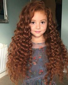hairstyles for school hairstyles with bangs 2019 hairstyles prom hairstyles hair in spanish hairstyles 2019 female over 50 curly quiff hairstyles curly hairstyles Curly Hair Styles Easy, Long Curly Hair, Medium Hair Styles, Long Hair Styles, Curly Girl, Curly Bob, Quiff Hairstyles, Hairstyles For School, 1920s Hairstyles