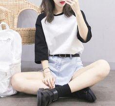 I really love this #koreanfashionoutfits Korean Fashion Pastel, Korean Fashion Minimal, Korean Fashion Teen, Korean Fashion Summer Casual, Korean Street Fashion, Ulzzang Fashion, Asian Fashion, Casual Street Style, Korean Outfits