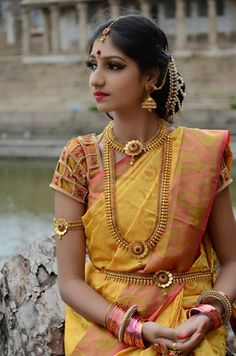 Find here the most unique blouse designs for south indian brides. From bird motifs to long sleeves, blouse for silk sarees to kanjeevarams, we have it all. Indian Wedding Jewelry, Indian Bridal, Bridal Jewellery, Indian Weddings, Temple Jewellery, Real Weddings, Indiana, Lehenga Jewellery, Modern Saree