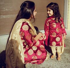 Mother & Daughter Matching Outfits for Wedding Party Mom Daughter Matching Dresses, Mom And Baby Dresses, Dresses Kids Girl, Kids Outfits, Girly Outfits, Fashion Outfits, Salwar Kurta, Indian Salwar Kameez, Patiala Suit