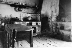 Cuina de vivenda de pescador de Sant Antoni de Calonge ( Girona). 1942. Autor desconegut. 27633F MMB History, Painting, Art, Angler Fish, Art Background, Historia, Painting Art, Kunst, Paintings