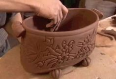 Ceramic Arts Daily Pottery Video of the Week: Tis the Season for Soft Slab Planters How to Make Handmade Flower Pots click the image or link for more info. Pottery Plates, Slab Pottery, Ceramic Pottery, Pottery Art, Thrown Pottery, Pottery Studio, Handmade Home, Handmade Pottery, Handmade Ceramic
