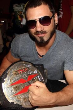 World Heavyweight Champion TNA wrestler Austin Aries #vegan