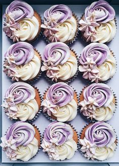 Cupcakes decoration cute desserts ideas for 2020 Cupcakes Design, Cake Designs, Cupcake Icing Designs, Mini Cakes, Cupcake Cakes, Wilton Cakes, Decoration Patisserie, Yummy Cupcakes, Purple Cupcakes
