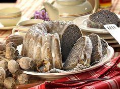 maková bábovka a 4 další Bunt Cakes, Czech Recipes, Pavlova, Pound Cake, Sweet Recipes, Poppies, Sausage, Stuffed Mushrooms, Seeds