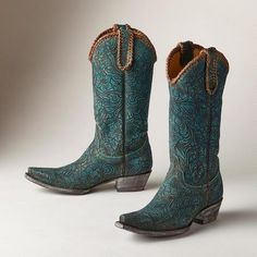 WOMEN'S CASSIDY BOOTS - A pair of handmade Cassidy Boots by Old Gringo with a distinctly Southwestern sense of style.