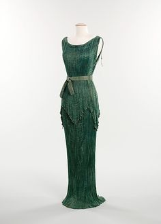 A rare example of the Peplos, a variation of Mariano Fortuny's popular Delphos gown, c. 1930. From the collections of the Metropolitan Museum of Art.