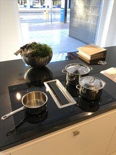 www.loomanskeukens.nl Wave Design, Stove, Coffee Maker, Kitchen Appliances, Coffee Maker Machine, Diy Kitchen Appliances, Coffee Percolator, Home Appliances, Range