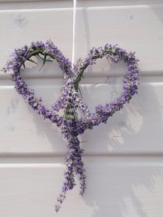Lavender Crafts, Lavender Decor, Lavender Cottage, How To Make Decorations, Growing Lavender, How To Tie Ribbon, Doll Tutorial, Herb Garden, Door Wreaths