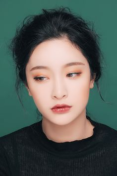 New wedding makeup asian eyes beauty products Ideas Korean Natural Makeup, Korean Makeup Tips, Asian Makeup, Eyeshadow Looks, Makeup Eyeshadow, Makeup Brushes, Hair Makeup, Eyebrow Makeup, Makeup Contouring