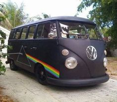 "Pink Floyd ""Dark Side of the Moon"" hippie van ❤ Volkswagen Bus, Beetles Volkswagen, Vw T1, Vw Camper, Vw Vanagon, Campers, Hippie Life, Hippie Style, Imagenes Pink Floyd"
