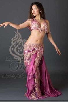 Design by Hoyda / Model: Donya / Fig Belly Dance #figbellydance #bellydancecostume #worldwideshipping