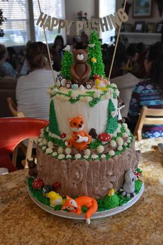 Baby Shower Forest Animals cake by Mary Andres