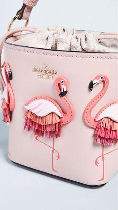Kate Spade New York Flamingo Pippa Bucket Bag Flamingo Decor, Pink Flamingos, Flamingo Purse, My Bags, Purses And Bags, Pink Bird, Cute Bags, Mode Inspiration, Cartier