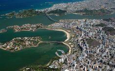 Vista aérea de Vitória e Vila Velha (ES)