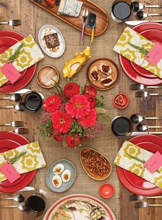 Use color and texture to liven up a traditional look #tablescape | Baltimore magazine Photo by David Colwell