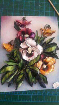 3d Art Painting, 3d Paper Art, Shadow Box Art, Wedding Plates, Decoupage Art, Ribbon Art, Ceramic Flowers, Ceramic Clay, Doll Crafts