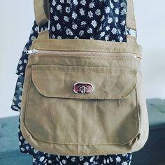 @couture_power sur Instagram: Je vous présente le sac Polka de @patrons_sacotin Version small. Le patron est très détaillé (comme toujours chez Sacotin) et facile à…