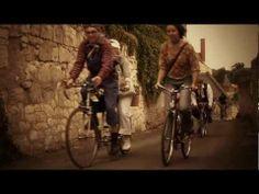 Vélo Vintage event in Anjou, France. Cool Bicycles, Vintage Bicycles, Anjou Velo Vintage, Cycling, Wheels, Passion, Bike, France, Places