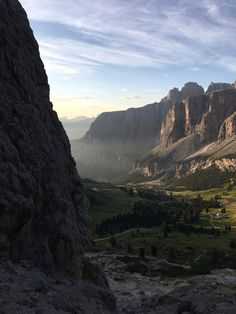 Sonnenaufgang in Gröden auf 2592m | GoWithTheFlo Sport Motivation, Fitness Motivation, Fitness Inspiration, Grand Canyon, Hiking, Mountains, Places, Nature, Travel