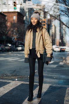 New York Fashion Week осень-зима - street style Street Style 2017, Street Style Trends, New Yorker Street Style, Street Look, New York Fashion, La Fashion Week, Fashion 2017, Trendy Fashion, New York Winter Fashion