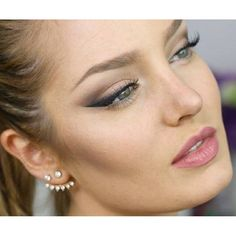 Perfect wings #chloemorello #chloemorellomakeup #wingedlinersimple