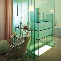 Sanderson hotel bathroom by Philippe Stark, in London