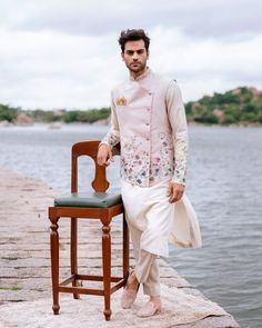 Check out these groom floral outfits which were a complete hit in the year 2019 and steal some inspirations for the upcoming wedding season Sherwani For Men Wedding, Wedding Dresses Men Indian, Indian Wedding Wear, Wedding Dress Men, Wedding Men, Best Wedding Suits For Men, Wedding Updo, Mens Indian Wear, Mens Ethnic Wear