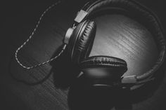 I love podcasts. No, I really love podcasts. I listen to episodes every week. Did you million 57 million Americans listen to podcasts at an average… Best Headphones, Music Headphones, Noise Cancelling Headphones, Over Ear Headphones, Studio Headphones, Bluetooth Headphones, Radios, Beats Studio, Playlists