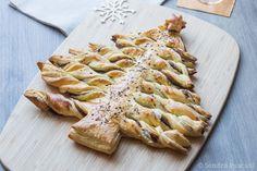 Sapin feuilleté pour l'apéro via @cuisineaddict Batch Cooking, 20 Min, Antipasto, Croissants, Served Up, Kale, Turkey, Appetizers, Healthy Recipes