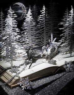 Fabulous paper artwork by British artist Su Blackwell. Papier Diy, Quentin Blake, Altered Book Art, Book Sculpture, Paper Sculptures, Up Book, Paper Artwork, Paper Book, Book Folding