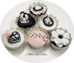Couture cupcakes for bridal shower by MelinArt Cakes Pretty Cupcakes, Beautiful Cupcakes, Yummy Cupcakes, Cupcake Wars, Cupcake Cookies, Cupcake Toppers, Black And White Cupcakes, Fashion Cupcakes, Bridal Shower Cupcakes