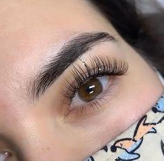Perfect Eyebrow Shape, Perfect Eyelashes, Eyelash Extensions Styles, Free Base, Beauty Hacks, Beauty Tips, Black Silk, Stability, Cruelty Free