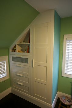 Used a PAX Wardrobe, BRIMNES Dresser and an Old BILLY Book Case to built a custom built-in wardrobe/dresser for a nursery. This plus a custom floating desk I did for my office was my first attempted reno project so it didn't turn out perfect but I am happy with the final result. IkeaHackers sure did …