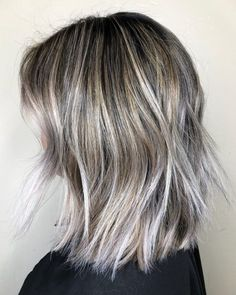 Top 9 Black Hair with Blonde Highlights Ideas in 2020 Black Hair With Blonde Highlights, Blonde Streaks, Blonde Hair, Hair A, New Hair, Shoulder Length Black Hair, Beauty Hacks, Beauty Tips, Latest Hairstyles