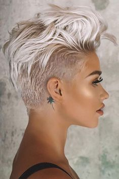 Pixie hairstyles 793196553103588523 - Blonde Long Shaved Pixie ❤ A long pixie cut is the definition of versatility combined with style. There are options for all the face shapes and hair types. Simply amazi Source by love_hairstyles Long Pixie Cuts, Short Pixie Haircuts, Short Hair Cuts For Women, Blonde Haircuts, Short Short Hair, Undercut Pixie Haircut, Pixie Cut Bangs, Short Hair Pixie Edgy, Pixie Mohawk