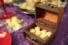 Bespoke handmade chocolate wedding favours www.petitchocolat.boutique Imperial Rooms, Matlock www.matlock.gov.uk   Photo: www.joskowskiphotography.co.uk