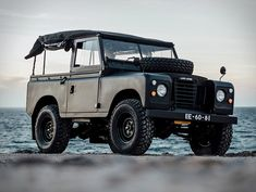 The Land Rover Defender is the coolest and most photographic 4×4 ever. Full stop. Cool
