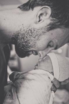 Os pais não são os mesmos de antigamente. Não estou falando das mães, e sim dos vários papais que vejo por aí – muito mais envolvidos com a vida, com os cuidados....