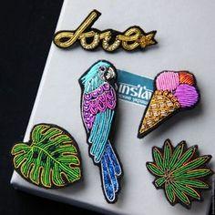 """Купить Брошь """"Попугай' ручная вышивка . - разноцветный, брошь купить, брошь для девушки, брошь для юноши"""