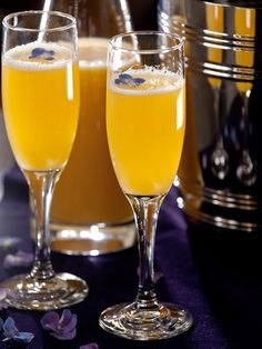 Amour a Mosa  For a fresh spin on the classic mimosa, add orange-infused vodka and mango juice. The result is sure to please your sweetie, and the preparation could not be easier.