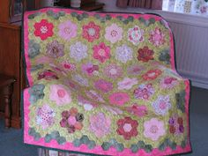 Koshka2 Quilts: Hexie Quilt - a Special Gift!