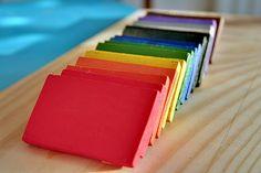 L'Atelier-Montessori: DIY Wooden Color Blocks (http://www.atelier-montessori.com/blog/page/2)