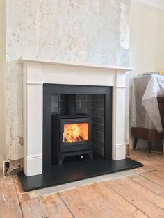 "Chesney's Salisbury 5 wood burning stove - 51"" Aldbury Limestone Surround - Honed Slate Hearth - Grey Tiled Chamber"